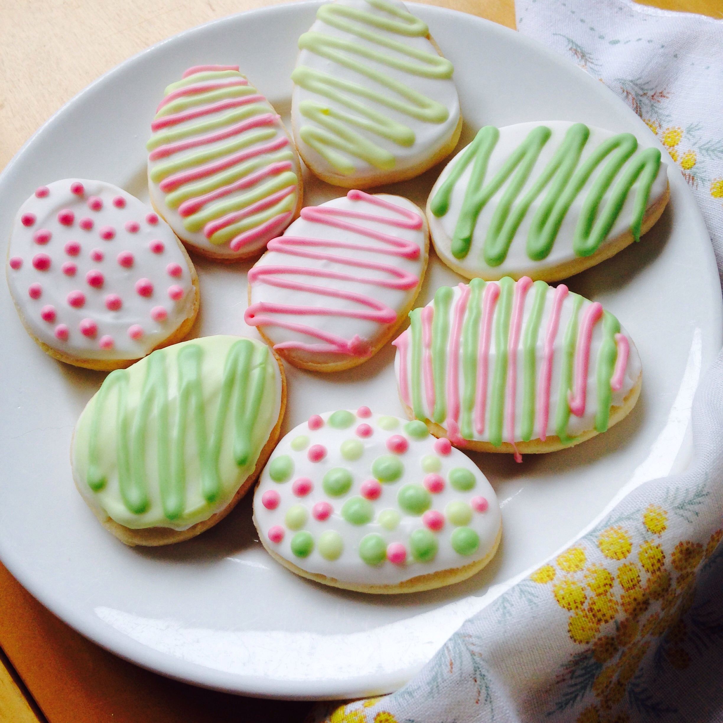 gluten free easter vanilla sugar cookies with royal icing